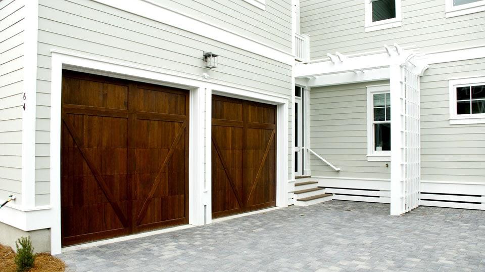 Casa y garaje